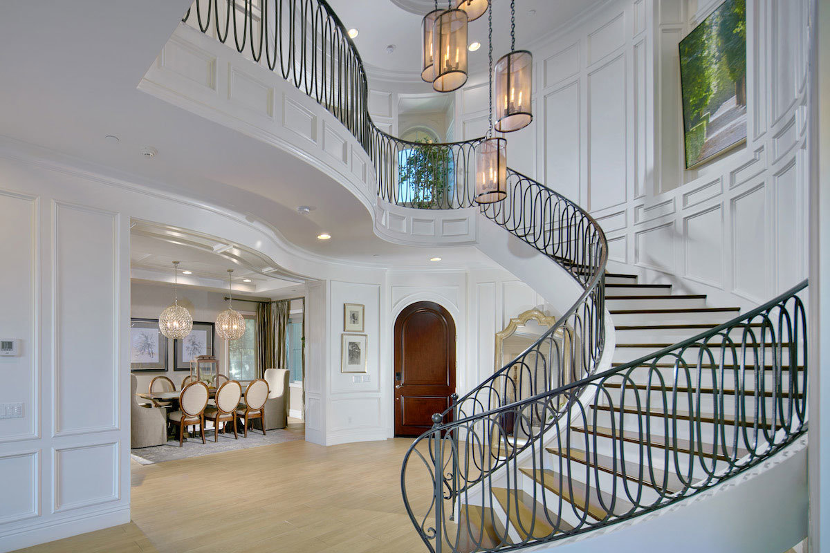 Staircase view in entryway